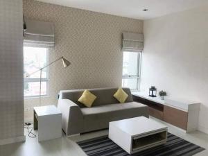 For RentCondoRatchadapisek, Huaikwang, Suttisan : Condo for rent, The Room Ratchada-Ladprao, corner room, 17th floor, city view