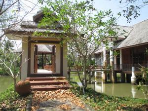 For SaleHouseSamut Songkhram : 3-2 House in orchard with 4 rai of land, Amphawa District, Samut Songkhram.