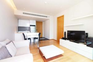 For RentCondoSukhumvit, Asoke, Thonglor : To Let a one bedroom of 55.50 square meters fully furnished near BTS - Thonglor