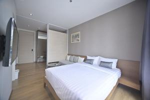 For RentCondoSukhumvit, Asoke, Thonglor : For rent Park 24 / 1 bed 28 sqm. Beautiful room, fully furnished, ready to move in.