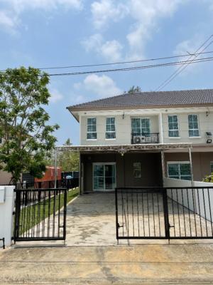 For RentTownhouseRangsit, Patumtani : House for rent, Town Prasan Rim, 43 sq m., with area around Ban Pruksa Rangsit - Ring Road 131, near Lotus Rangsit Klong 7.