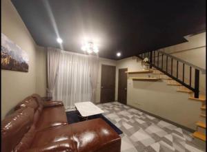 For RentTownhousePattanakan, Srinakarin : BH1027 3-storey townhome for rent, 3 bedrooms, 3 bathrooms, Town Plus Village, Krungthep Kreetha Soi 7 * Whole house renovation * Bangkapi District