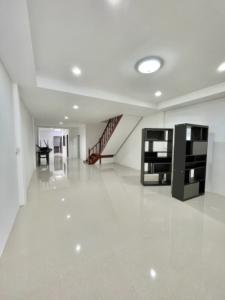 For RentHouseOnnut, Udomsuk : Beautiful house, newly renovated, Soi Udomsuk 51, very convenient to travel, price 19,000, still available for rent.