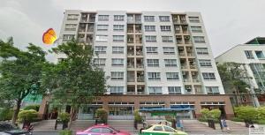 เช่าคอนโดรัชดา ห้วยขวาง : ให้เช่า  คอนโดลุมพินีวิลล์ (อยู่ชั้น3)  ห้องสตูดิโอ 30ตรม.  มี8ชั้น ถนน ประชาอุทิศ เหม่งจ๋าย  ใกล้MRTศูนย์วัฒนธรรม ใหเช่า8,000/เดือน