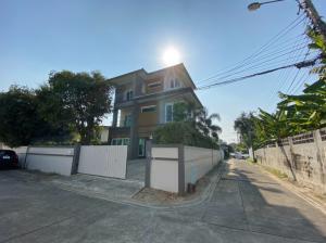For RentHome OfficeRatchadapisek, Huaikwang, Suttisan : Home Office near MRT Sutthisan [Home office for rent near MRT Sutthisan]