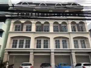 For SaleShophouseRayong : Urgent sale!!! Commercial building 4 booths with land behind On Sukhumvit Road