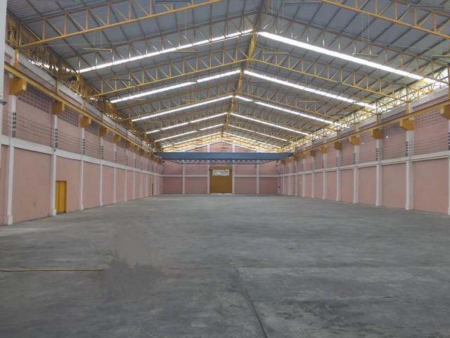 For RentWarehouseNakhon Pathom, Phutthamonthon, Salaya : RK056 Warehouse for rent 2000 sq m. Parking for 20 cars, next to Phutthamonthon Sai 4 Road.