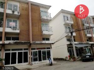 For RentShophouseBangbuathong, Sainoi : Commercial building for rent, 3.5 floors, Soi Wat Lat Pla Duk, business location, Bang Bua Thong, Nonthaburi