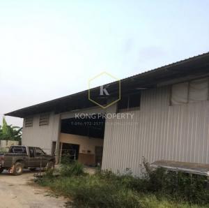 For RentWarehouseSamrong, Samut Prakan : Cheap warehouse for rent, area 1 rai, near Mega Bangna, Bang Phli District, Samut Prakan Province.