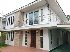For RentHouseSukhumvit, Asoke, Thonglor : Lovely single house for rent in Ekkamai, fully furnished