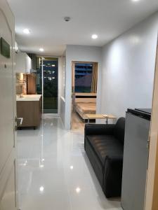 For RentCondoWongwianyai, Charoennakor : Tourmaline Light Condo near BTS Krungthonburi for rent.