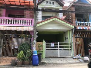 For SaleTownhouseNawamin, Ramindra : Townhouse for sale Phraya Suren44 (Lert Ubon Village) Main road, cheap price, free credit and free down payment.