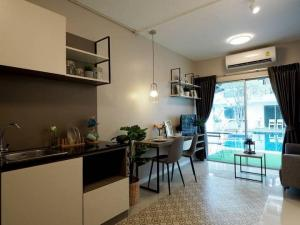 For RentCondoRama9, RCA, Petchaburi : The room next to the pool is ready!! Condo for rent A Space Asoke-Ratchada, size 45 sqm., the most special discount!