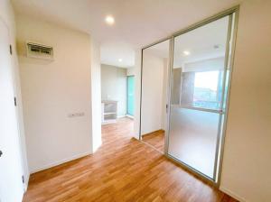For SaleCondoSamrong, Samut Prakan : TC-9086 for sale, Lumpini Ville Sukhumvit 76 - Bearing Station, near BTS Bearing and BTS Samrong, beautiful new room. The view is ready.