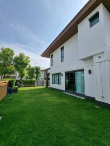 เช่าบ้านพัฒนาการ ศรีนครินทร์ : ด่วน !! บ้านสวยพร้อมเช่า #รับสัตว์เลี้ยง หมู่บ้านบุราสิริ พัฒนาการ แต่งหรูพร้อมอยู่