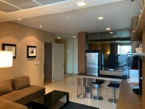 For RentCondoSukhumvit, Asoke, Thonglor : For Rent Nusasiri Grand Condo @24agency Next to BTS Ekkamai, from the BTS, you can walk into the building.