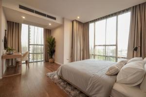 For RentCondoSathorn, Narathiwat : SK03166 For rent The Bangkok Sathorn, size 104.20 sqm., 8th floor, corner room **BTS Surasak **