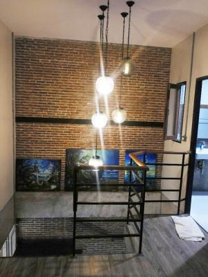 For RentTownhouseLadprao101, The Mall Bang Kapi : Townhouse for rent 2 floors behind the corner. Loft style Sindhorn Village 1 Happy Land Ladprao (2 bedrooms, 2 bathrooms, furnished 13,000/month