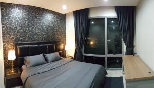 เช่าคอนโดพระราม 3 สาธุประดิษฐ์ : Available 2 Bedroom for rent, A Luxury River side Star View Condominium. Ready to move in