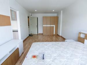 For RentCondoOnnut, Udomsuk : 📣 Good price.. 7000.- Rent Regent Home 19 Sukhumvit 93 with washing machine near BTS Bang Chak only 400 meters.