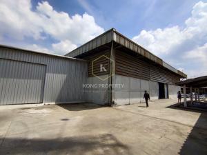 For RentWarehouseNakhon Pathom, Phutthamonthon, Salaya : Warehouse for rent with workers' house 1.5 rai in Phutthamonthon Sai 1, Sai 2, Thawi Watthana District, Bangkok.