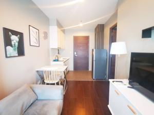For RentCondoSukhumvit, Asoke, Thonglor : ⚡️⚡️ Urgent!!! For rent C Ekkamai, beautiful room, ready to move in. If interested, add Line @flashrent⚡️⚡️