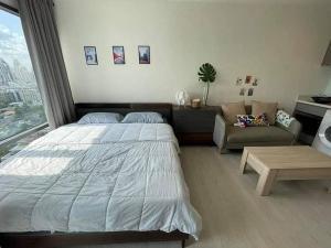 For RentCondoSukhumvit, Asoke, Thonglor : Rhythm Sukhumvit 36 - 38 fully furnished, city view, unblocked