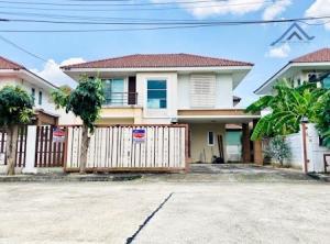 For SaleHouseNakhon Pathom, Phutthamonthon, Salaya : Cheap house for sale. Porntawee Baan View Suan Phutthamonthon Sai 5, 2-storey detached house, next to Route 5, near Mahidol Salaya, Borommaratchachonnani Road.