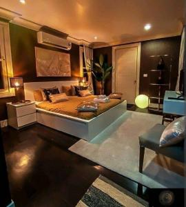 For SaleHouseSukhumvit, Asoke, Thonglor : Rental/ Selling : Villa House In Thonglor with Private Pool , 5 Beds 5 baths ,163 sqw, 459 sqm ,Parking 4+4 🔥🔥 Rental : 550,000 THB / Month🔥🔥 🔥🔥 Selling : 220,000,000 THB 🔥🔥 #Houserental #Fullfurnished # Electr