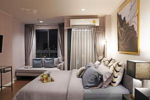 เช่าคอนโดอ่อนนุช อุดมสุข : อยู่ฟรี 1 เดือน ห้องขนาดใหญ่ 3 ห้องนอน 2 ห้องน้ำ บนชั้นสูงสุด!
