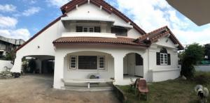 For RentHouseRama5, Ratchapruek, Bangkruai : 2 storey detached house for rent, big back, Soi Tiwanon 3, near MRT Ministry of Public Health.
