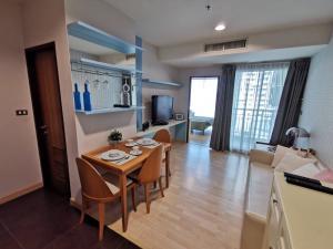 For RentCondoSukhumvit, Asoke, Thonglor : Hot Deal!!!  Nice 1 BR 38sqm for rent in 59 Heritage condo near BTS Thonglor