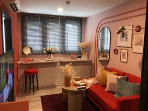 For SaleCondoRatchadapisek, Huaikwang, Suttisan : Absolutely cheap!!! XT Huai Khwang, size 1 bedroom, price 3.99 million baht, new room, contact 0869017364