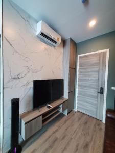For RentCondoRamkhamhaeng, Hua Mak : Fully furnish premium decoration condo