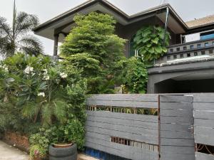 For SaleHouseSamrong, Samut Prakan : Quick sale! 2 storey detached house, area size 61 sq.wa. Orchid Villa Village Bangna-Trad Km. 24 decorated in loft style.