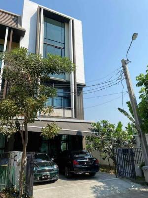For SaleTownhouseBang Sue, Wong Sawang : Luxury townhome for sale, 3.5 floors, Loft, behind the corner, Flora Wong Sawang Village.
