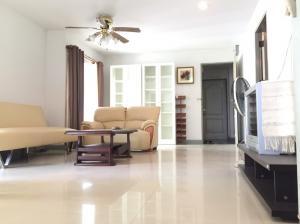 For SaleCondoBangna, Lasalle, Bearing : Condo 64 sqm 2.5 million, walk 5 minutes to BTS Bangna.