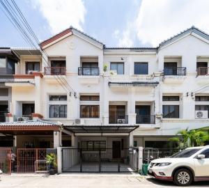 For RentTownhouseRatchadapisek, Huaikwang, Suttisan : HR793 3-storey townhome for rent, Central Village, Ratchada, Mengjai, Project 1, convenient transportation