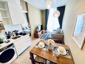 For RentCondoSukhumvit, Asoke, Thonglor : โนเบิล บี19  ปล่อยเช่า出租1臥素坤逸上流精裝豪華公寓 1Bedroom 35sqm Rent🔥Noble BE19🔥 24K 📍BTS Asoke