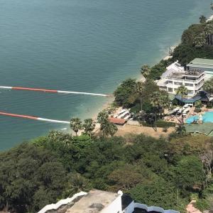 For SaleCondoPattaya, Bangsaen, Chonburi : Zire Wongamat, 2 bedrooms, sea view, top floor, only 8 million baht.