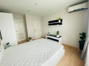 For RentCondoKasetsart, Ratchayothin : 📍LINE ID: @twproperty 🌟 For rent The Niche ID Ladprao - Wang Hin 🌟 Fully furnished Cheapest price!!!!