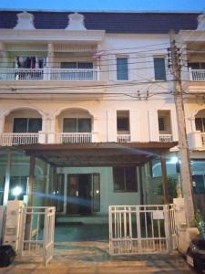 For RentTownhouseEakachai, Bang Bon : 3-storey townhome for rent, The Metro project, Sathorn, Kanlapaphruek, BTS Wutthakat station.