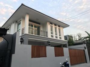For RentHouseLadprao 48, Chokchai 4, Ladprao 71 : 2 storey detached house for rent, Ladprao area, Chokchai 4, Ladprao Wang Hin. fully furnished ready New condition house - not deep into the alley
