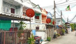 For SaleTownhouseBang kae, Phetkasem : Townhouse 2 floors, Sirikhet Village 2, Soi Petchkasem 79, Intersection 9, Petchkasem Road, Nong Khaem District, Bangkok.