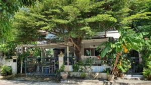 ขายบ้านนวมินทร์ รามอินทรา : ขาย บ้านเดี่ยว 2 ชั้น 5 ห้องนอน 2 ห้องน้ำ หมู่บ้าน ศุภาลัย พาร์ค รามอินทรา 5 หลังใหญ่สวย ร่มรื่น เดินทางสะดวก พร้อมเข้าอยู่