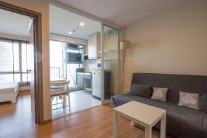 For RentCondoOnnut, Udomsuk : 1 bedroom on high floor, fully furnished, good price