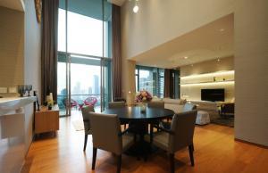 For RentCondoSathorn, Narathiwat : Condo for rent The Sukhothai Residence Type Duplex 2 bedroom 3 bathroom Size 230 sq.m. Floor 19