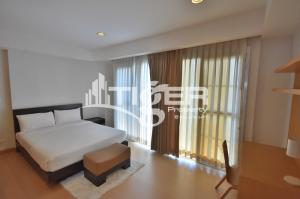For RentCondoSukhumvit, Asoke, Thonglor : MSCR80 This fully furnished, 3-bedroom / 3-bathroom large kitchen with counter space and generous storage and maid/storage room unit for rent at viscaya private residences