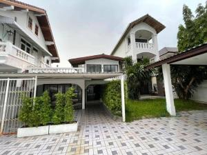For RentHouseRama9, RCA, Petchaburi : House for rent, special price, suitable for living or Home Office Rama 9 51