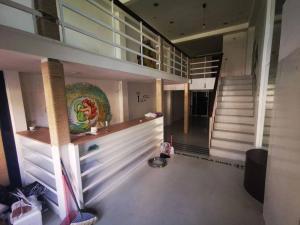 For RentShowroomSukhumvit, Asoke, Thonglor : Showroom building for rent, Sukhumvit 49, Thonglor